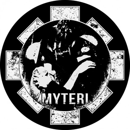 Myteri - Skull Love Button